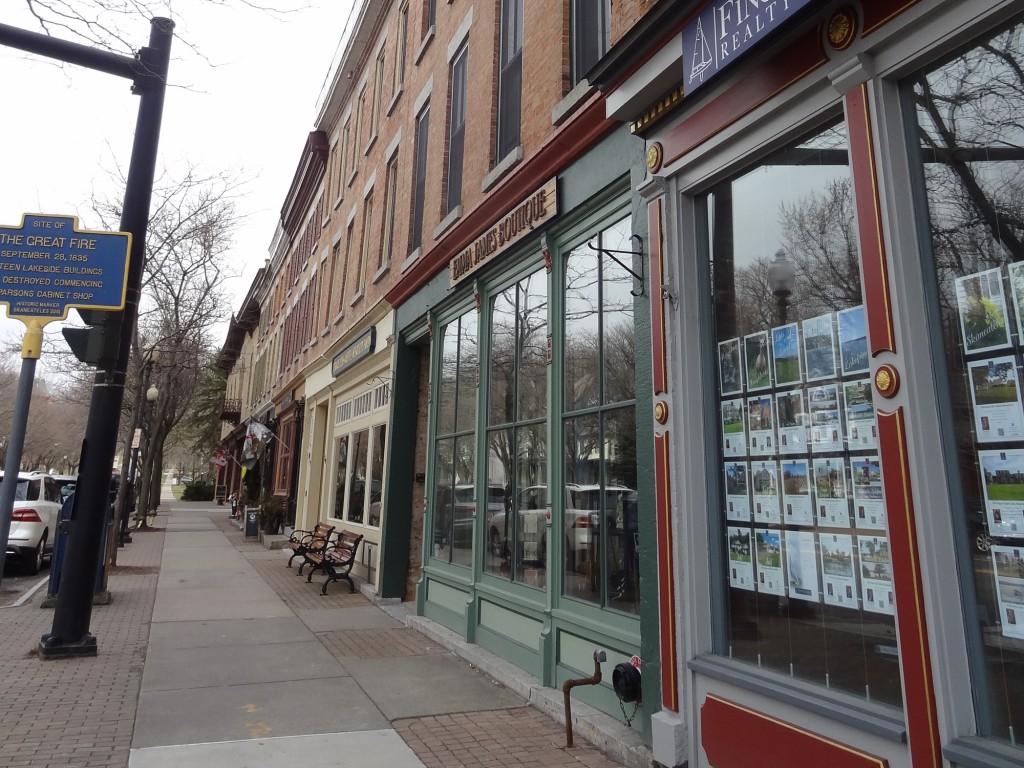 downtown shops in Skaneateles, NY